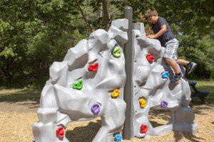 freestanding playground climbers | Henderson Recreation